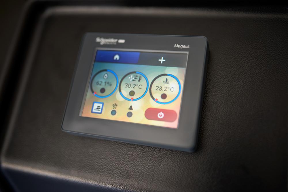 """ovládání s3,5"""" dotykovým rozhraním"""
